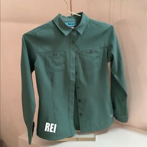 REI girls shirt